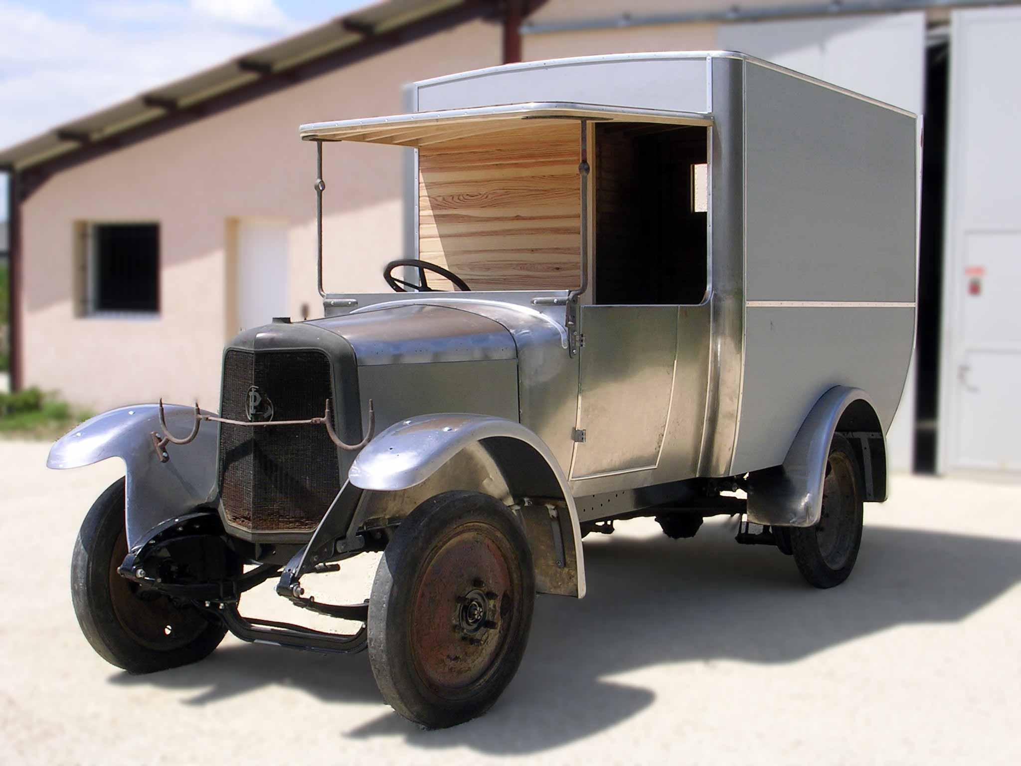 Boiserie automobile sur X25 Panhard Levassor